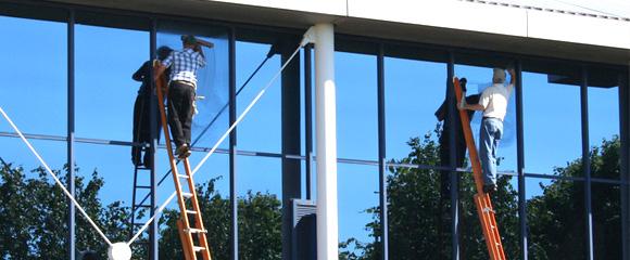 Silverclean gardens merano pulizia grandi vetrate e finestre - Pulizia vetri finestre ...